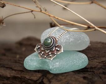 Boho Jewelry Lotus Pendants, Lotus Pendant Silver, Silver Pendant Lotus green Agate, Indian Pendant Silver Lotus, silver boho jewelry