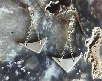 "The ""Gina"" earring made of silver chain and handcut silver metal in a triangle shape"