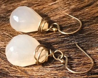 Darla earring: white colored chalcedony teardrop shaped earring with gold fillwire and earwire
