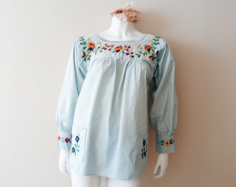 SALE! Vintage mexican blouse | vintage floral embroidered blue long sleeve mexican blouse