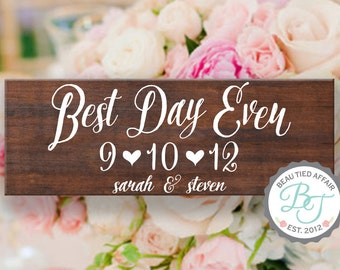 Hand Painted Save the Date - Best Day Ever Rustic Wooden Wedding Sign  • Wedding Date Sign with Couples Names • Unique Wedding Gift