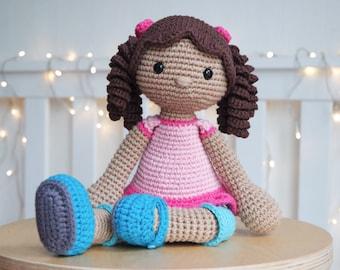 NINA - crochet pattern by Snuggly Stitches
