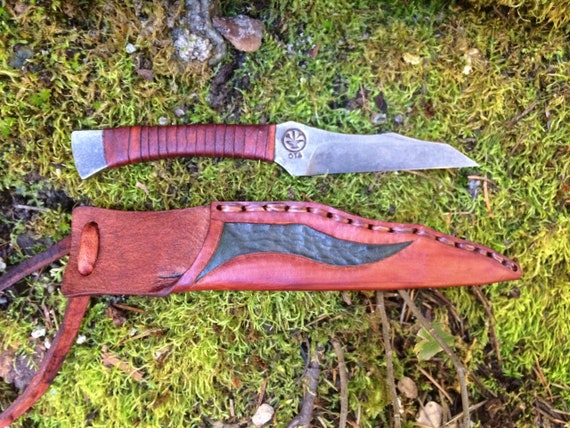 One piece neck knife hand forged handmade