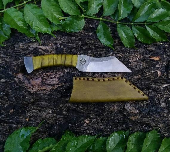 Integral utility knife and sheath