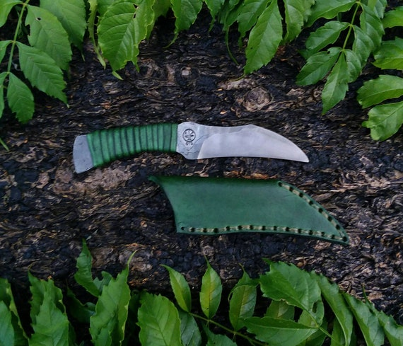 Integral utility knife and sheath hand forged handmade