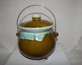 Vintage Hull Avocado Green Bean Pot Rare