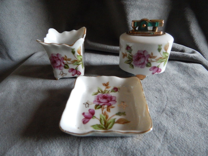 and Cigharette Holder Vintage Hand Painted Japanese Lighter Ashtray
