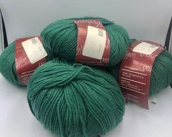 Pine green Blue Green Dark Green hand dyed Veridian wool Christmas Pine Hunter Green roving Spruce Needle Felting Spinning Fiber