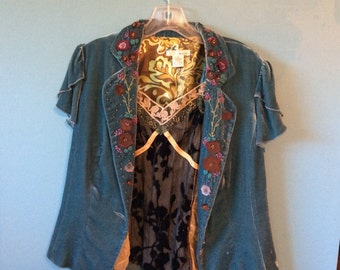 Blue Multicolored Beads and Emroidered Jacket w/ Lace & Veveteen Camisole Sz S