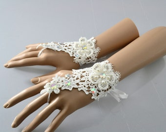 1 pr.Short Lace Party Wedding Fingerless Gloves Choice of Red White or Black