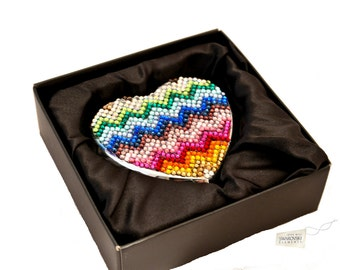 Swarovski ELEMENTS crystal compact pocket heart shape hinged multi rainbow pattern mirror