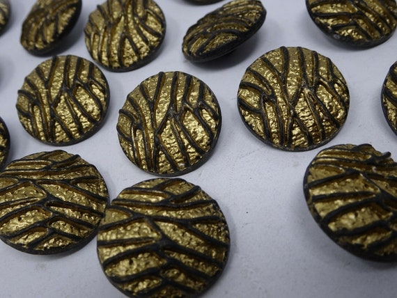 G446228\8-M Poppy Shank Buttons