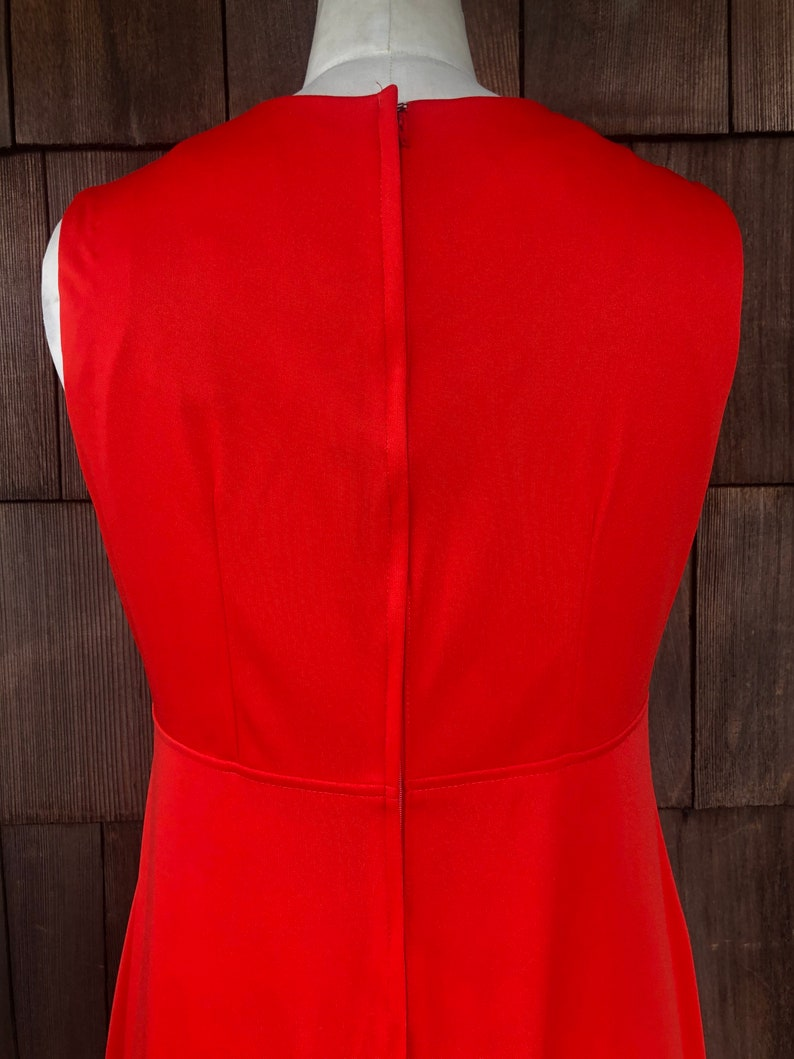 ML DAMAGE DISCOUNT Vintage 1970/' Medium  Large Long Red Evening Gown