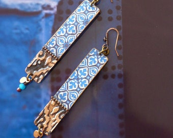 Boucles d'oreilles en cuivre aux motifs tuiles orientales, Pendentifs fait-main, Métal embossé, style arabesque, Maroc, Fujigirls