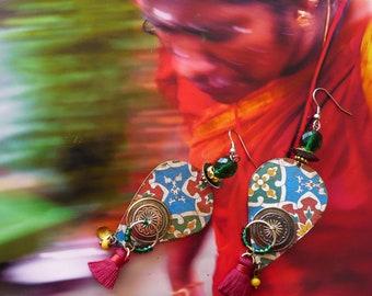 Boucles d'oreilles Indiennes bohème gipsy, style boho hippie chic, Pendentif artisanal, Tribal Hindou, bijoux nomades, Tuile,  Fujigirls