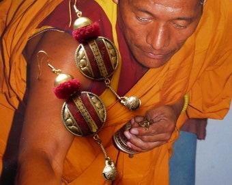 Longues boucles d'oreilles ethniques chics Tibétaines, Bijoux nomades asiatiques, Perles Népal, style bohème, Mongolie, Fujigirls