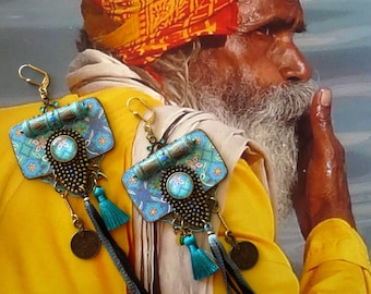 Grandes boucles d'oreilles bohèmes gipsy de style hindou, Bijoux boho hippie chic indien, Motifs Tuiles Turquoise, Talisman,