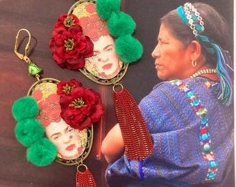 Frida Kahlo boucles d'oreilles funky méxicaines, bijoux colorés uniques folkloriques, pendentif artisanal, hippie chic, jour des morts
