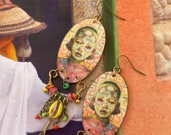 Boucles d'oreilles tribales Africaines, pendentifs artisanaux en cuivre, bijoux nomades colorés, création unique, cauris, ooak, Fujigirls