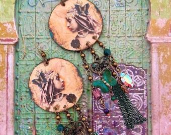 Longues boucles d'oreilles nomades portrait de femme Nubienne, pendentifs fait-main, style vintage, bijou bohème, oriental, Fujigirls