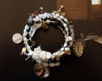 Bracelet mémoire de forme religieux Icône Madone, Bijoux rosaire Chrétien, Perles de Briare, Perles de culture, Sainte, croix, Fujigirls