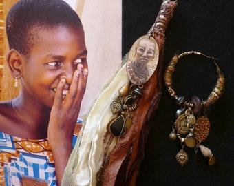 Boucles d'oreilles tribales asymétricaines Africaines, Bijoux Nomades Afro bohème, Portrait Africain, Style Ethnic Chic, dissocié, Fujigirls