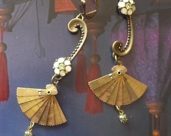Boucles d'Oreilles Bohèmes Asiatiques - Pendentifs éventails articulés - Connecteurs Art Deco - Strass swarovski - Retro - Fujigirls