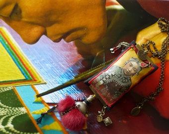 Collier textile d'inspiration asiatique vintage, Portrait de femme Mongole, bijoux nomades fait-main, Mongolie, Fujigirls
