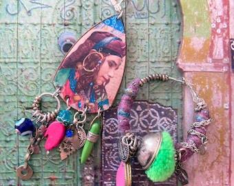 Boucles d'oreilles portrait de femme tribale Orientale, créole nomade asymétrique, mauvais oeil, talisman, berbère, kabyle, marocain