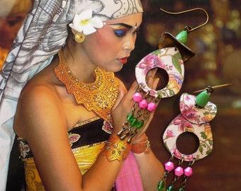Boucles d'oreilles bohèmes asiatiques, motifs floraux pivoine, pendentif artisanal, style vintage, japonisant, fleuri, bijoux Fujigirls