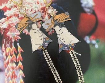 Boucles d'oreilles Japonaises de style vintage, Portrait de geisha sur Kimono, pendentifs fait-main, bijoux cuivre, chaîne strass, Fujigirls
