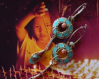 Créoles tribales turquoise et corail, anneaux ethniques tibétain, pendentif népalais, bijoux nomades asiatiques, cadeaux pour femmes