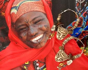 Boucles d'oreilles créoles style ethno tribal Africain, Bijoux nomades Afro ethnique, look primitif, perles sculptées, Fujigirls