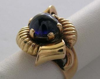Special 14K Natural Cab Sapphire Ring Circa 1940's Retro Period Bow Motif Circa 1940