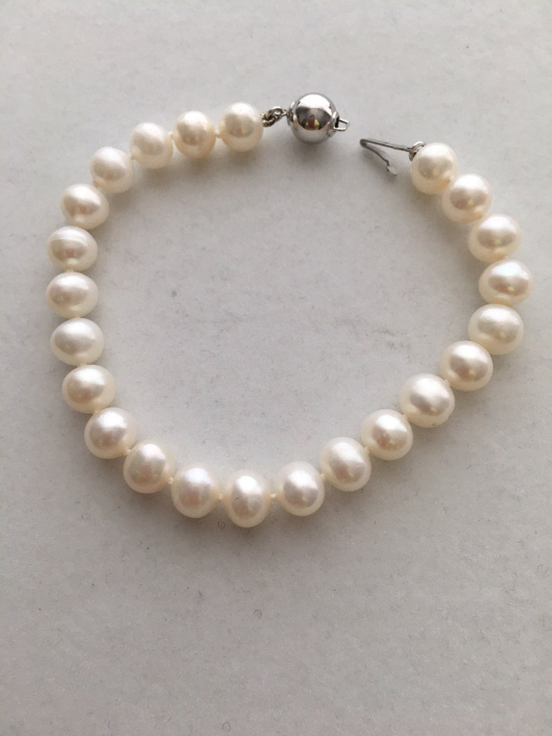 Cultured Pearl Sterling Silver Bracelet 7 1/2 Inches Long image 0