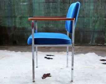 Gorgeous Mid Century Post Modern MCM 60u0027s 70u0027s 80u0027s Royal Blue Knoll Style  Chrome And Walnut Danish Lounge Side Accent Office Chair