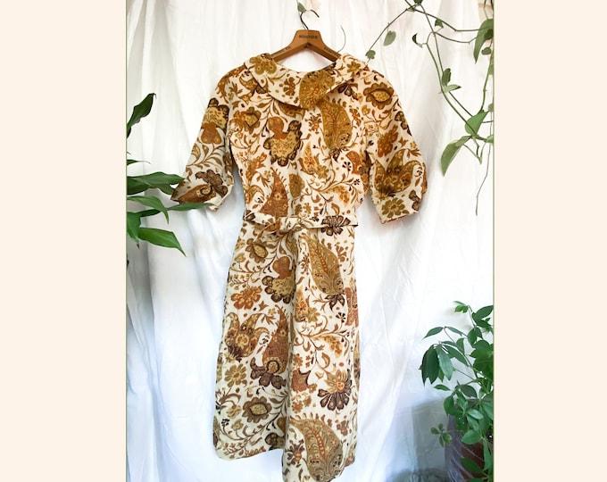 60s vintage gold sheath dress // floral psychedelic mod paisley flower print // retro fit // size 8/10 medium