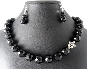 Onyx 14, necklace and earring, onyx and sterling silver