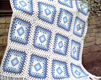 Lucy in the Sky with Diamonds - Granny Squares Crochet Blanket Pattern