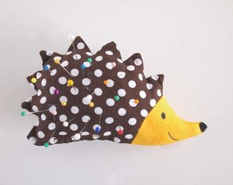 pincushion, needle cushion, hedgehog, sewing accessory, hedgehog pincushion