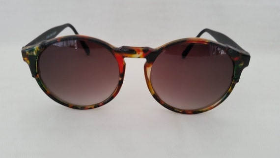 Vintage Round Cats Eye Sunglasses. Round Cats Eye Demi Brown Sunglasses. Retro Cats Eye Round Demi Colors Sunnies. Large Round Cats Eye