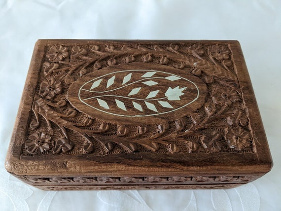Vintage Hand Carved Wooden Keepsake Box.  Bone Inlay Intricately carved Wood Box.. Oval Vine and Floral Bone Inlay Carved and Lined Wood Box