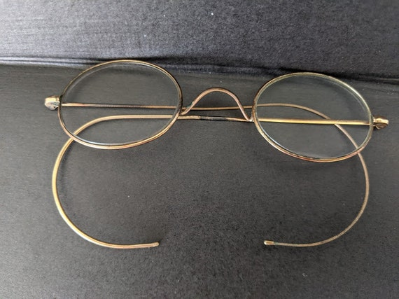 Vintage Oval Cable Wire Eyeglasses.  Gold Tone Small Oval 1920s Wire Eyeglasses Frame with Cable Ear Pieces.