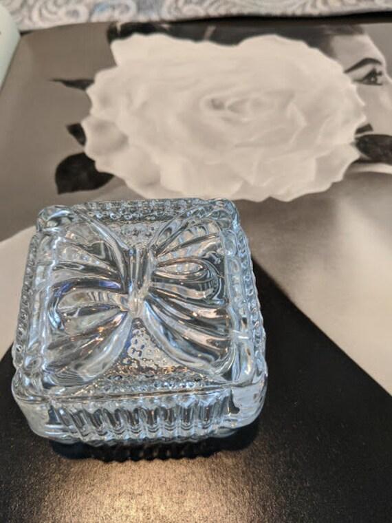 Vintage Led Crystal Ring Box. Crystal Clear Industies Trinket Box.  Crystal Ring Box Made in Yugoslavia. Collectible Crystal Box