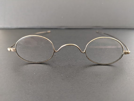 Antique Oval Wire Spectacles.  1920s Small Wire Eyeglasses.  Gold Tone/ Brass Wire Small Oval Specs.
