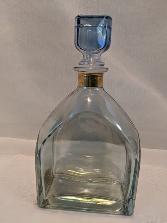 Vintage Illusions Decanter Made in Italy. 24% Lead Crystal Iridescent Glass Decanter. Iridescent Blue/Green Glass Decanter. Gold Trim Topper