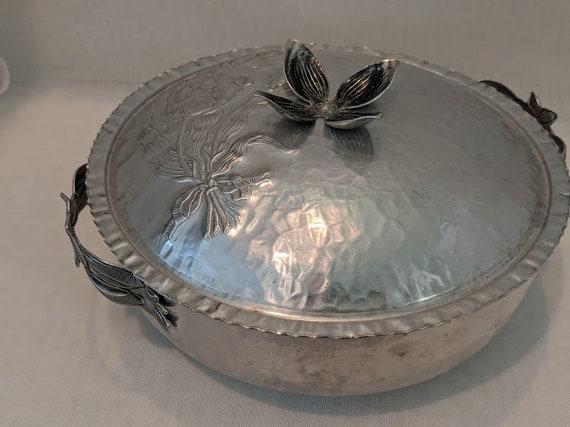 Vintage Hammered Aluminum Lidded Bowl. Aluminum Flower Etched Hammered Serving Lidded Bowl. Silver Tone Hammered & Flower Etched Bowl