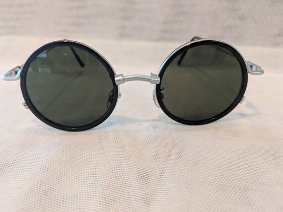 Vintage Circle Unisex Sunnies.  Silver Tone Vintage Round Sunglasses. Unique Specs