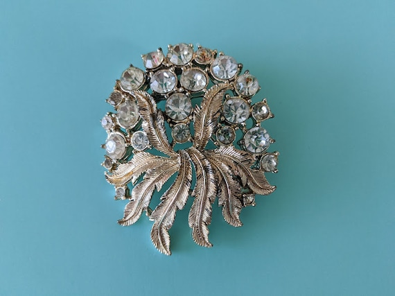 Vintage Coro Brooch.  Large Gold Tone Floral Crystal Brooch.  Gold Splash With Clear Crystal Coro Brooch. Coro Collectible Brooch.