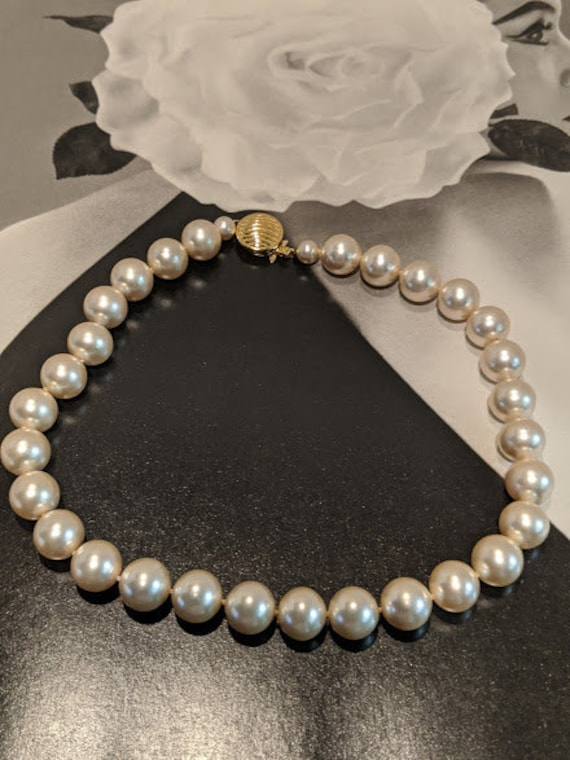 Vintage Large Faux Pearl Chocker. Cream Color Large Glass/Pearls. Large Pearl Chocker. Bridal Chunky Pearls. Box Tab Insert Gold Clasp.